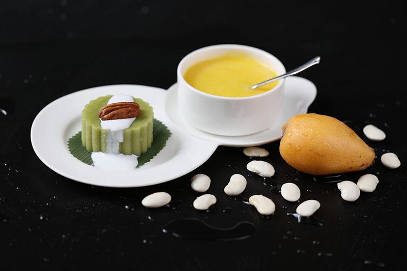 宫廷豌豆糕配枇杷露