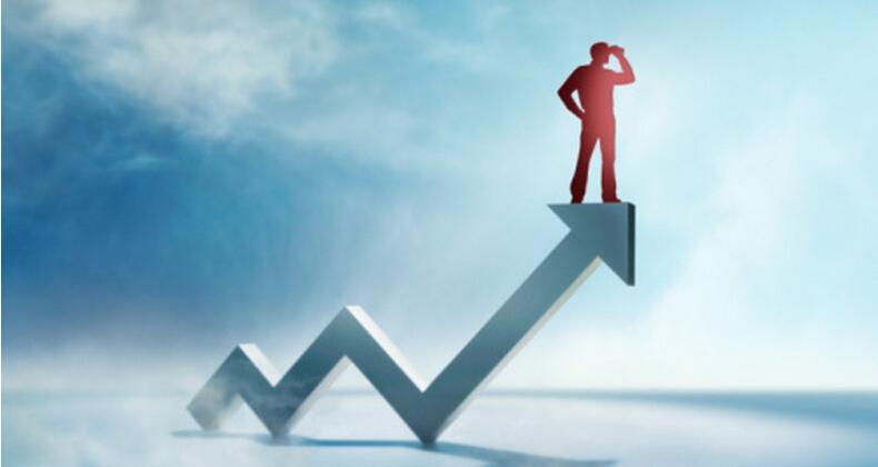 中国食品与餐饮行业:平均每月至少2家企业上市或挂牌